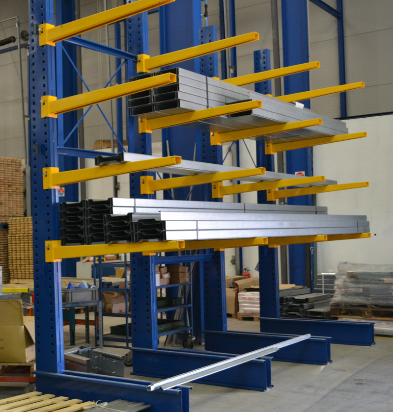 Rayonnage cantilever horizontal