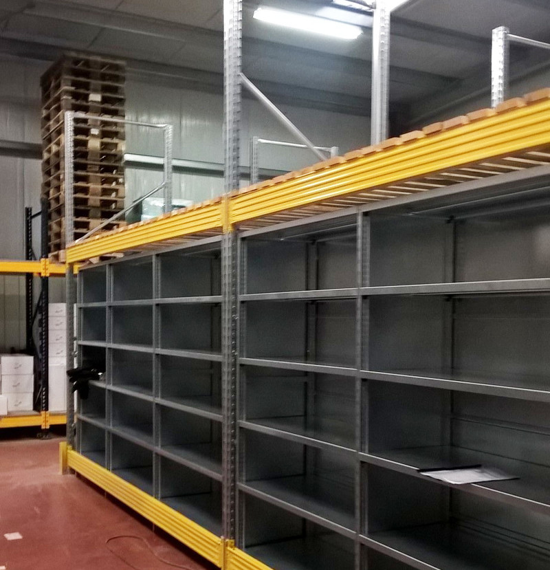 Rack stockage avec casiers picking