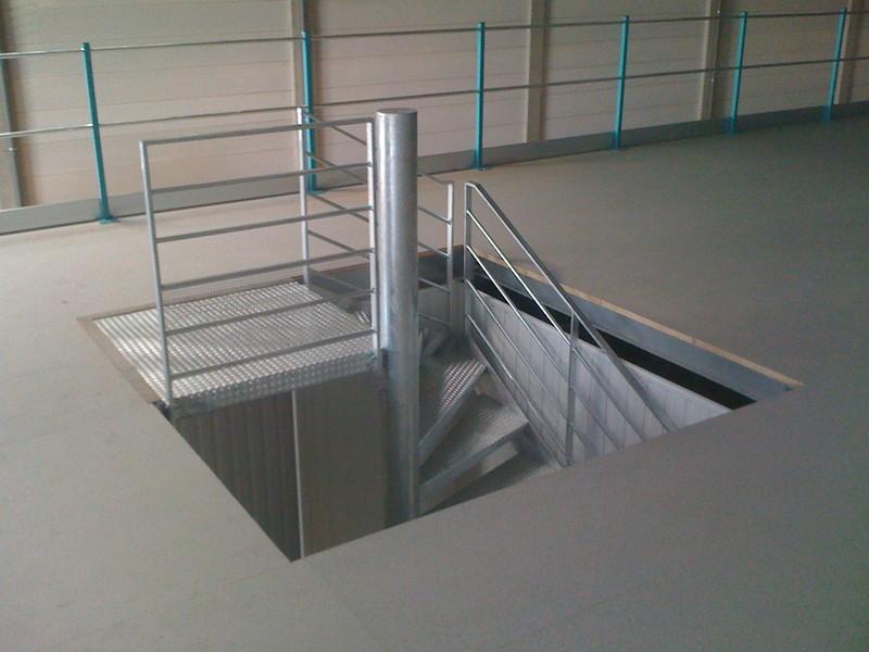 Tr 233 Mie Escalier Mezzanine Industrielle