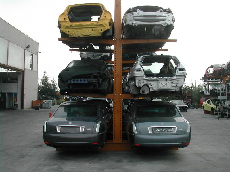 rayonnage automobile cantilever stockage voiture en hauteur. Black Bedroom Furniture Sets. Home Design Ideas